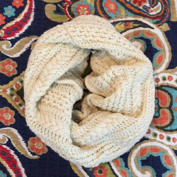 GAP Accessories - Cream/off white colored infinity scarf